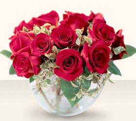 Karaman çiçek yolla , çiçek gönder , çiçekçi   mika yada cam içerisinde 10 gül - sevenler için ideal seçim -