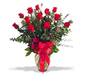 çiçek siparisi 11 adet kirmizi gül cam vazo  Karaman çiçek online çiçek siparişi
