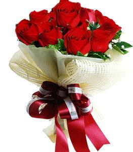 9 adet kırmızı gülden buket tanzimi  Karaman hediye çiçek yolla