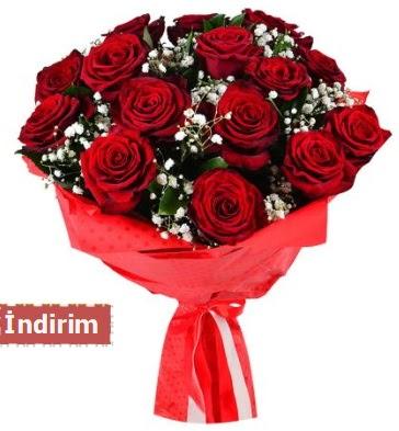 12 Adet kırmızı aşk gülleri  Karaman çiçekçiler
