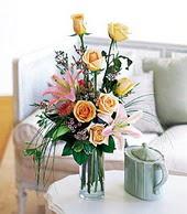 Karaman internetten çiçek siparişi  cam yada mika vazo içerisinde gül kazablanka