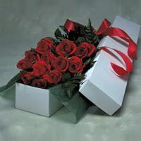 Karaman çiçek online çiçek siparişi  11 adet gülden kutu
