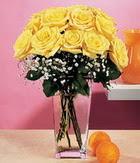 Karaman uluslararası çiçek gönderme  9 adet sari güllerden cam yada mika vazo