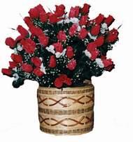 yapay kirmizi güller sepeti   Karaman çiçek yolla