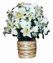 yapay karisik çiçek sepeti   Karaman çiçek gönderme sitemiz güvenlidir