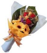 güller ve gerbera çiçekleri   Karaman hediye çiçek yolla