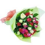 12 adet renkli gül buketi   Karaman hediye çiçek yolla