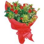10 adet kirmizi gül buketi  Karaman çiçekçi mağazası