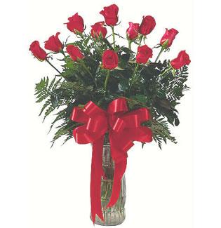 12 adet gül cam içerisinde  Karaman çiçek mağazası , çiçekçi adresleri