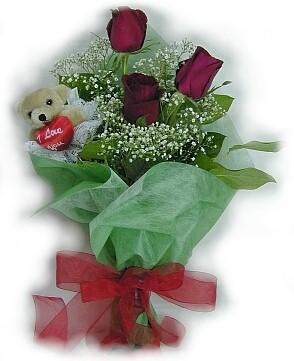 3 adet gül ve küçük ayicik buketi  Karaman çiçek servisi , çiçekçi adresleri