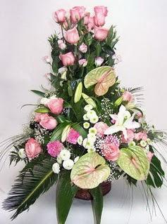 Karaman çiçek siparişi vermek  özel üstü süper aranjman