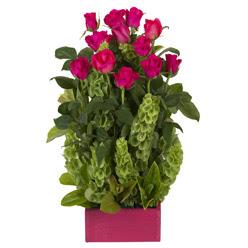 12 adet kirmizi gül aranjmani  Karaman çiçek gönderme sitemiz güvenlidir
