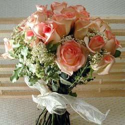 12 adet sonya gül buketi    Karaman çiçek siparişi sitesi