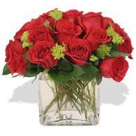 Karaman internetten çiçek satışı  10 adet kirmizi gül ve cam yada mika vazo