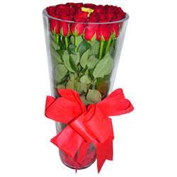 Karaman çiçek yolla , çiçek gönder , çiçekçi   12 adet kirmizi gül cam yada mika vazo tanzim