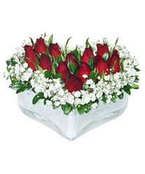 Karaman anneler günü çiçek yolla  mika kalp içerisinde 9 adet kirmizi gül
