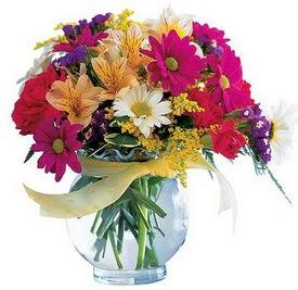 Karaman uluslararası çiçek gönderme  cam yada mika içerisinde karisik mevsim çiçekleri