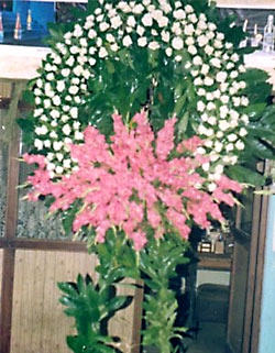 Cenaze çelenk , cenaze çiçekleri , çelengi  Karaman uluslararası çiçek gönderme