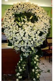 Cenaze çelenk , cenaze çiçekleri , çelengi  Karaman çiçekçiler