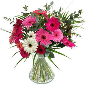 15 adet gerbera ve vazo çiçek tanzimi  Karaman çiçek online çiçek siparişi