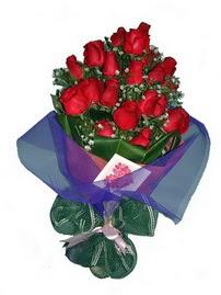 12 adet kirmizi gül buketi  Karaman çiçek online çiçek siparişi