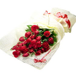 Çiçek gönderme 13 adet kirmizi gül buketi  Karaman çiçekçiler