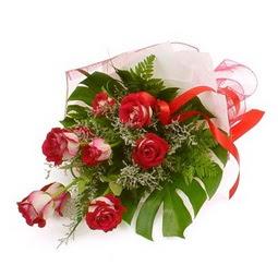 Çiçek gönder 9 adet kirmizi gül buketi  Karaman hediye sevgilime hediye çiçek