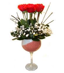 Karaman 14 şubat sevgililer günü çiçek  cam kadeh içinde 7 adet kirmizi gül çiçek
