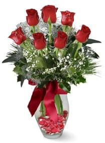 7 adet vazoda gül  Karaman uluslararası çiçek gönderme  kirmizi gül