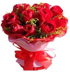9 adet kirmizi güllerden kipkirmizi buket  Karaman 14 şubat sevgililer günü çiçek