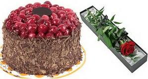 1 adet yas pasta ve 1 adet kutu gül  Karaman kaliteli taze ve ucuz çiçekler