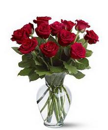 Karaman hediye çiçek yolla  cam yada mika vazoda 10 kirmizi gül