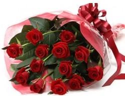 Karaman yurtiçi ve yurtdışı çiçek siparişi  10 adet kipkirmizi güllerden buket tanzimi