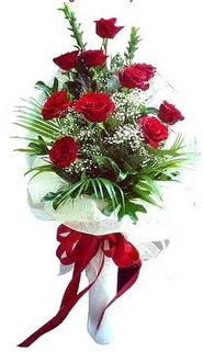 Karaman çiçek siparişi vermek  10 adet kirmizi gül buketi demeti
