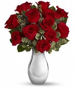 Karaman hediye sevgilime hediye çiçek   vazo içerisinde 11 adet kırmızı gül tanzimi