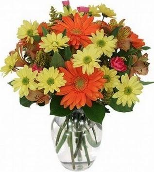 Karaman online çiçekçi , çiçek siparişi  vazo içerisinde karışık mevsim çiçekleri