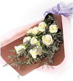 Karaman çiçek servisi , çiçekçi adresleri  9 adet beyaz gülden görsel buket çiçeği