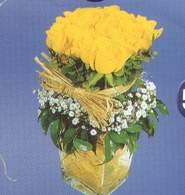 Karaman yurtiçi ve yurtdışı çiçek siparişi  Cam vazoda 9 Sari gül