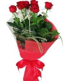 5 adet kırmızı gülden buket  Karaman çiçek yolla
