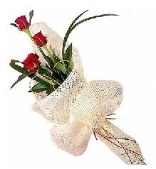 3 adet kırmızı gül buketi  Karaman çiçek gönderme