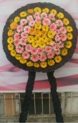 Görsel cenaze çiçeği  Karaman 14 şubat sevgililer günü çiçek