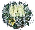 Karaman 14 şubat sevgililer günü çiçek  Beyaz harika bir gül sepeti