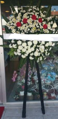 Cenaze çiçeği cenaze çiçek modelleri  Karaman çiçek siparişi sitesi