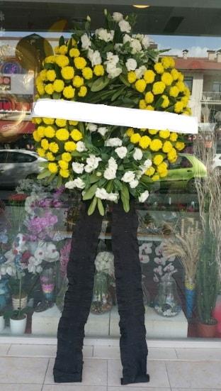 Cenaze çiçek modeli cenaze çiçeği  Karaman internetten çiçek satışı