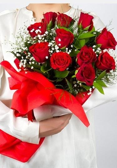 Aşk Gülleri 11 Adet kırmızı gül buketi  Karaman internetten çiçek satışı