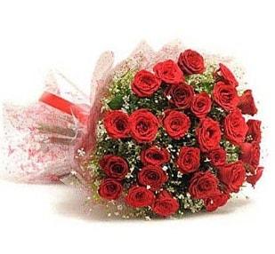27 Adet kırmızı gül buketi  Karaman çiçek siparişi vermek