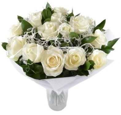 15 beyaz gül buketi sade aşk  Karaman çiçekçiler